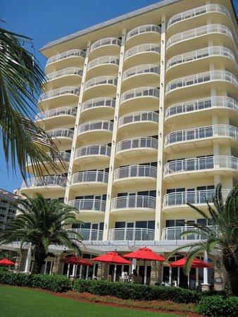 Marco Island Marriott Beach Resort, Golf Club & Spa: hotel exterior