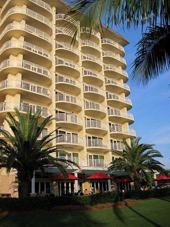 JW Marriott Marco Island Beach Resort: hotel exterior