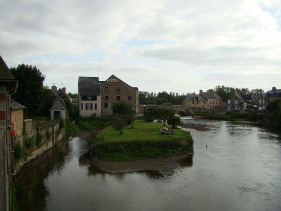 """BEST WESTERN Le Moulin de Ducey : vista d'insieme del """"Mulino"""""""