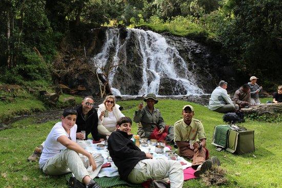 Hatari Lodge : on a picnic