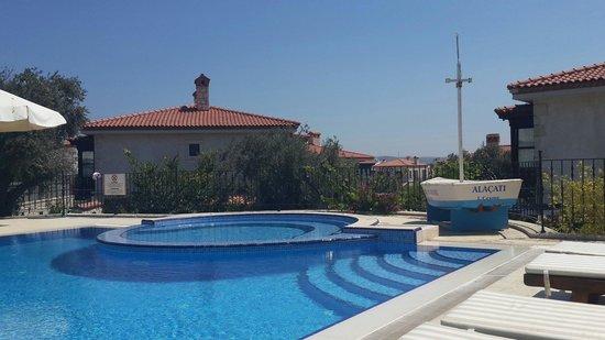 Imren Han Hotel & Mansions: Havuz ne küçük ne büyük.  Butik otel için ideal