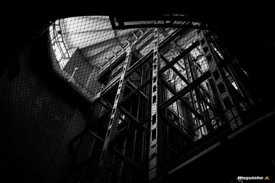 Alter Elbtunnel: The huge elevators