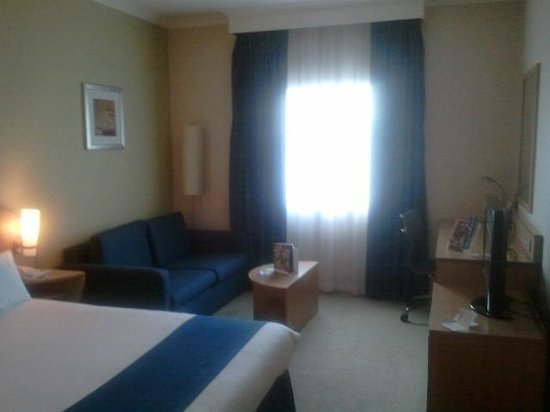 Holiday Inn London - Brent Cross: Room