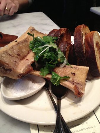 The Purple Pig : marrow with parsley caper salad