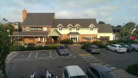 Premier Inn Herne Bay Hotel: Table Table for Brekkie and Dinner