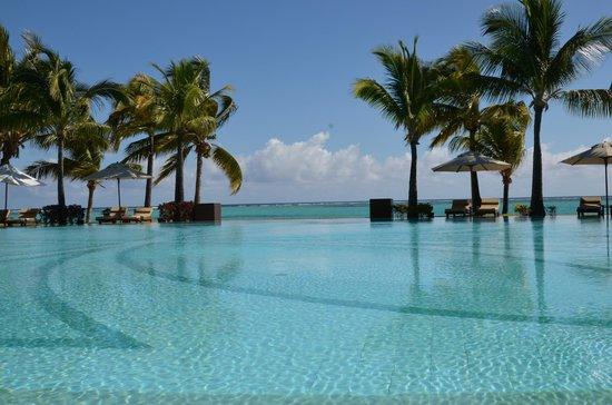 Beachcomber Paradis Hotel & Golf Club : La piscine