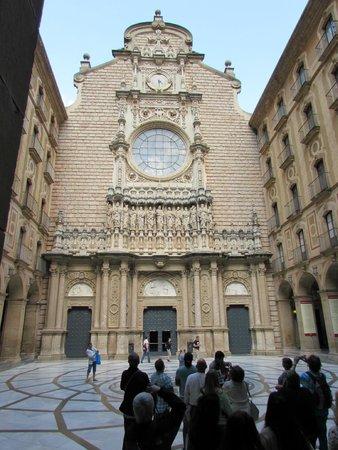 Barcelona Turisme - Afternoon in Montserrat Tour: Chapel