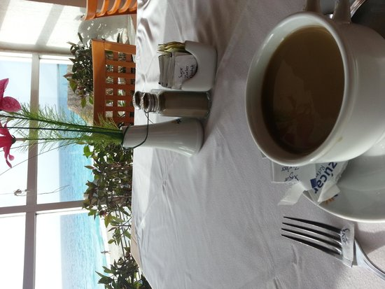 Oleo Cancun Playa: view from buffet restaurant