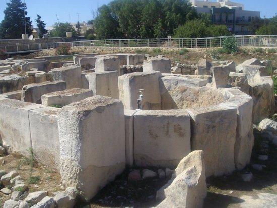 Tarxien Temples: Dalla passerella esterna
