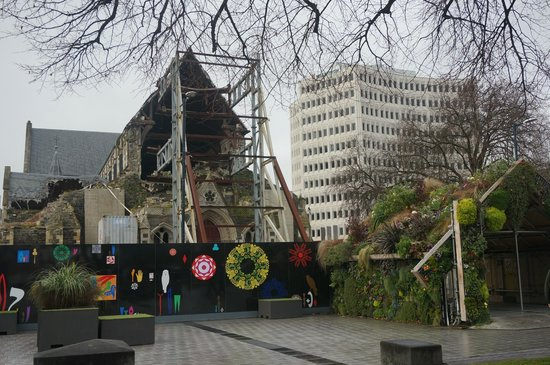 Christchurch Cathedral: ruins of the cathedral
