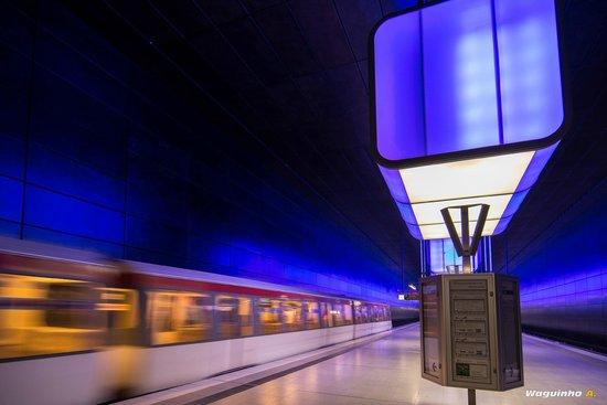 HafenCity: Subway Station at the University