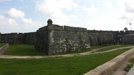 Castillo de San Marcos: Outside