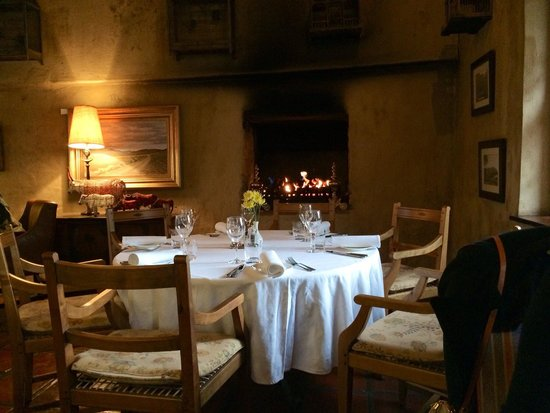 Cafe BonBon: Cosy fireplace