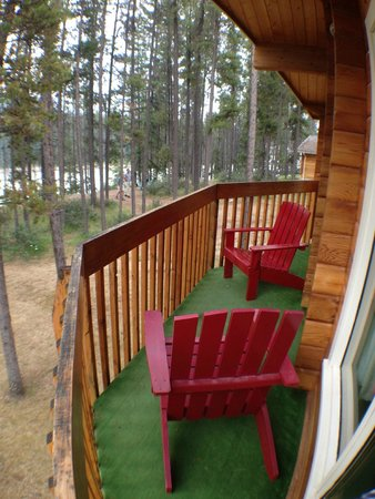 Jasper House Bungalows: Balcony with View
