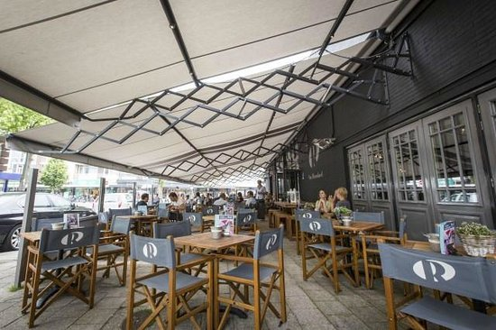 Grand Cafe Van Ruysdael: Terras overkapping