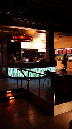 Aloft Chicago O'Hare : Front desk