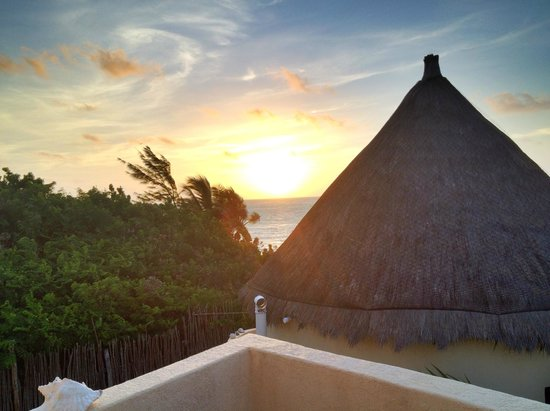 Balamku Inn on the Beach: Caribbean Sunrise