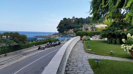 Grand Hotel Miramare: Вид в сторону Портофино.