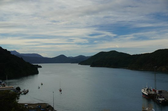 Queen Charlotte Sound: water