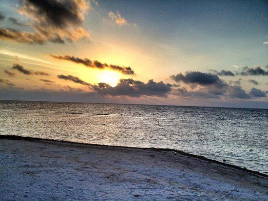 Balamku Inn on the Beach : Caribbean Sunrise