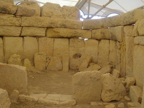 Ħaġar Qim : Interno