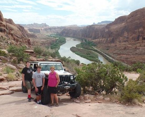 Dan Mick's Guided Jeep Tours: moab rim