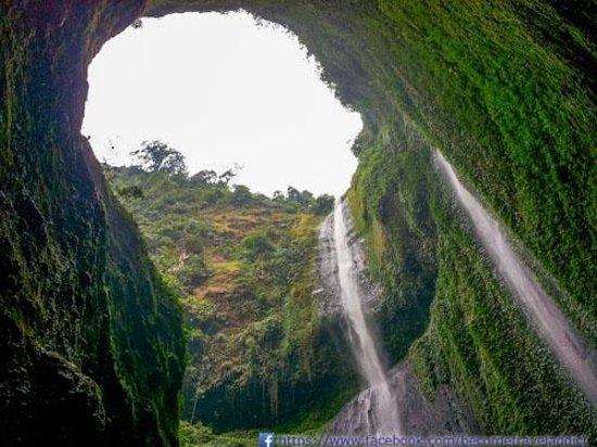 Madakaripura Waterfall: Waterfall from inside view