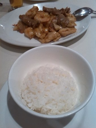 Me Wah Restaurant Launceston: $4 per serve rice thats a serve in the little white bowl outrageosly expensive