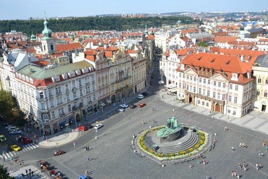 Prager Altstadt: Piazza della città vecchia dalla torre dell'orologio