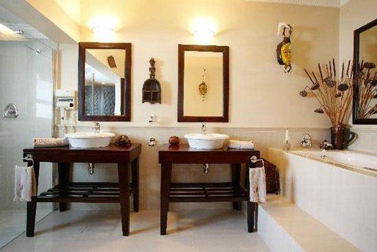 Moontide Guest House: Milkwood Bathroom