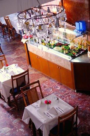 Alexander The Great Beach Hotel: Roxani Restaurant