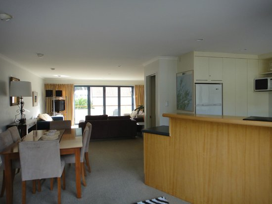 Apartments On The Waterfront Picton: living