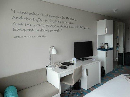The Morrison, a DoubleTree by Hilton Hotel: Habitación.
