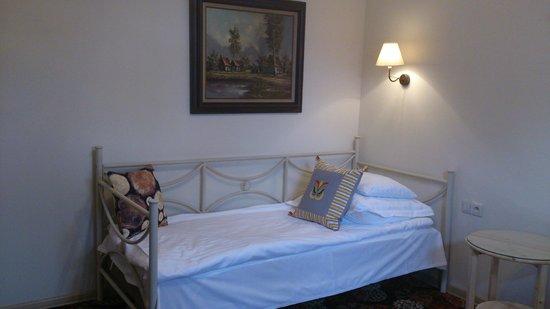 Karczma Rzym Hotel Pawlowek: Bett im Doppelzimmer