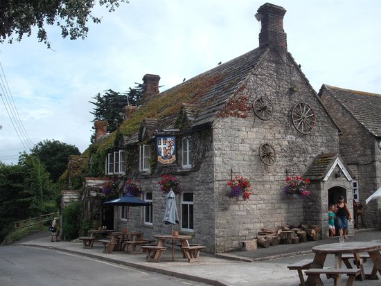 The Bankes Arms Country Inn: Bankes Arms pub/restaurant, Studland, Dorset