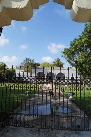 Hacienda San Pedro Nohpat : View from Front Gates
