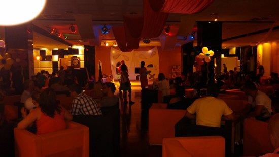 Albir Playa Hotel & Spa : animación nocturna