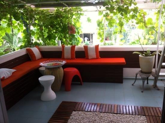 SEA Harmony Eco Lodge : balcony sitting area
