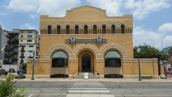 Dr Pepper Museum: Front view of the museum
