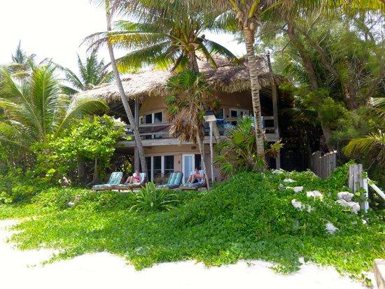 Xanadu Island Resort : Outside view of room 3 (top floor)