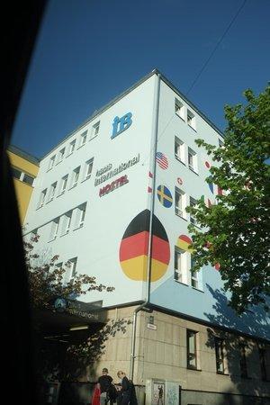 Haus International: hotel facade