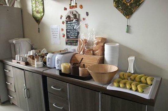 Mitraa Inn: Breakfast