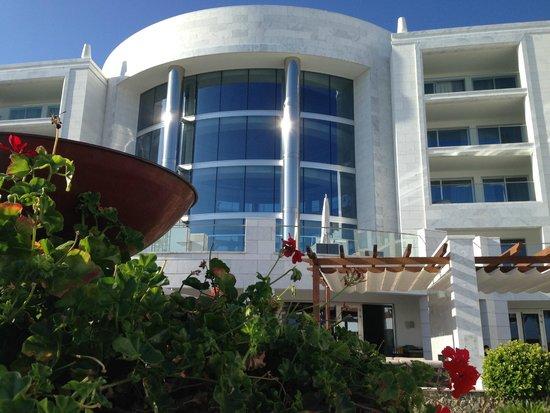 Conrad Algarve: Main entrance...