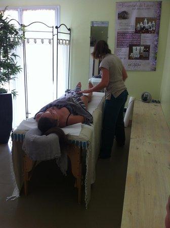 La Marette : Massage dans la salle bambou
