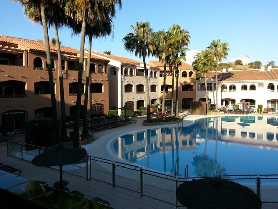 Los Amigos Beach Club by Diamond Resorts: pool view in morning
