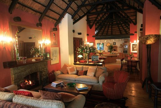 Moontide Guest House: Lounge and Dinning Room