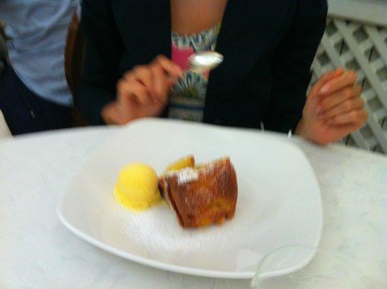 Ristorante Galante: Torta di mele con gelato