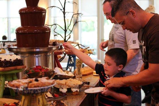 Hyatt Regency Lost Pines Resort & Spa : The infamous chocolate fountain