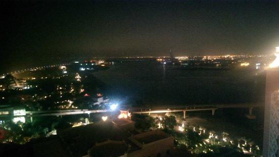 Atlantis, The Palm: Night view