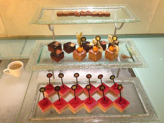 Regal Airport Hotel : Not a dessert eater
